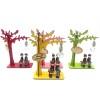 Toptan Ağaç Altında Bankta Oturan Sevgililer